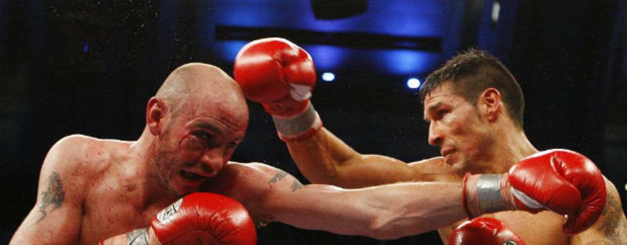 Uno de los grandes duelos que ha sostenido 'Maravilla' ha sido frente al estadounidense Kelly Pavlik, al que derrotó por decisión unánime en 2010.