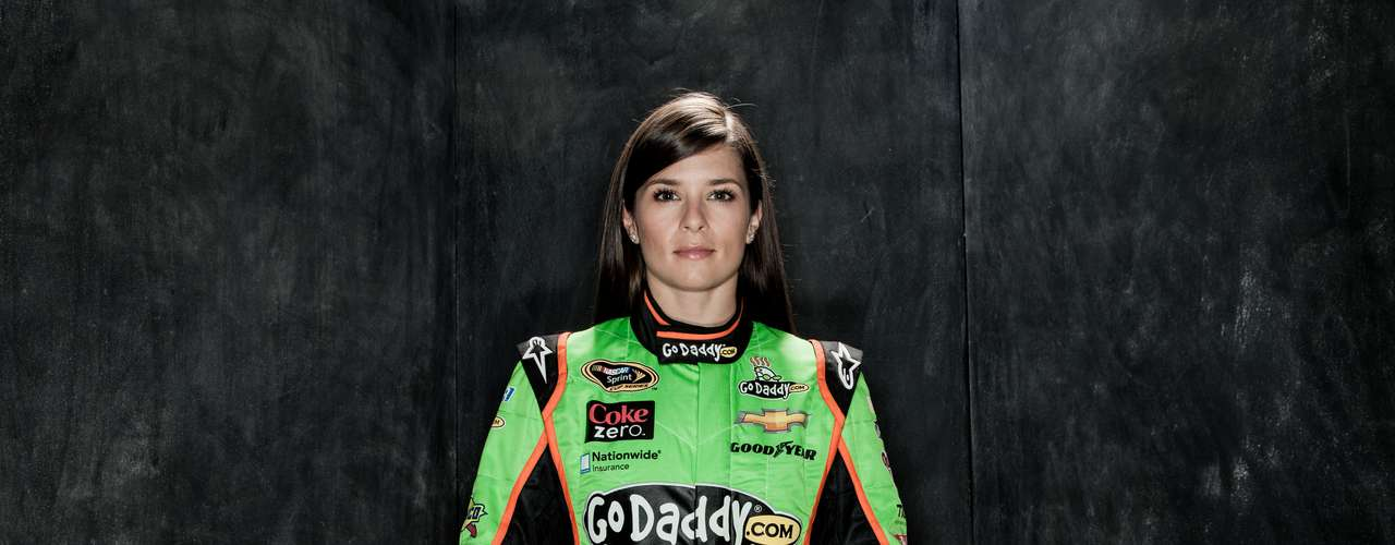 Danica Patrick (Autoracing-US): This beautiful driver is one of the most succesful women in the history of the sport. She has won in IndyCar Series and has the best result for a woman at the Indianapolis 500 in third place. In 2013, she became the fist woman to win the pole position at the Daytona 500.