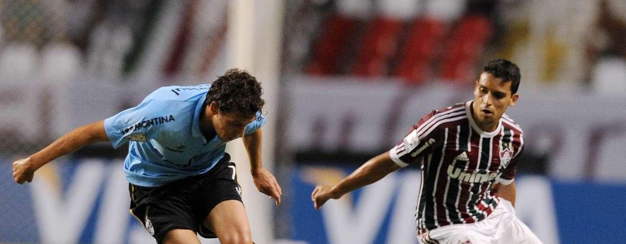 André Santos amplió el marcador a los 55 y el chileno Eduardo Vargas sentenció la goleada (69).
