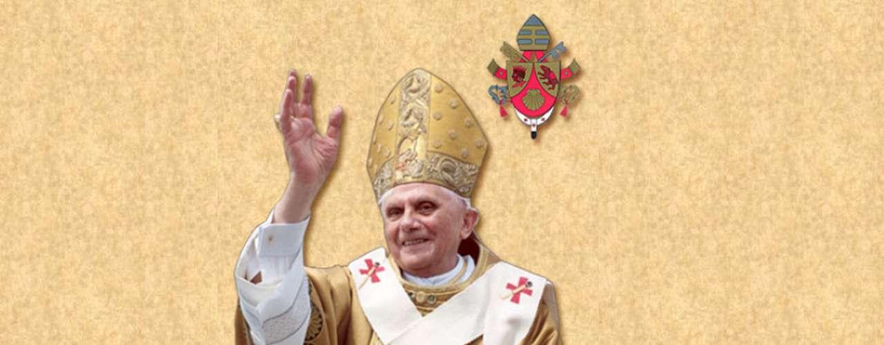 BENEDICTO XVI (2005-2013). Joseph Ratzinger renunciará al Pontificado a las ocho de la tarde hora de Roma del 28 de febrero, poniendo fin a un papado que comenzó el 19 de abril de 2005, cuando fue elegido sucesor de Karol Wojtyla, en el primer cónclave de este tercer milenio. Beatificó en 2011 a Juan Pablo II, siendo la primera vez que un Papa beatifica a su inmediato predecesor.
