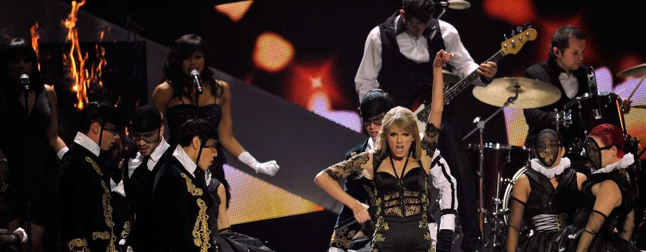 Con una espectacular puesta en escena, Swift hizo vibrar al público.