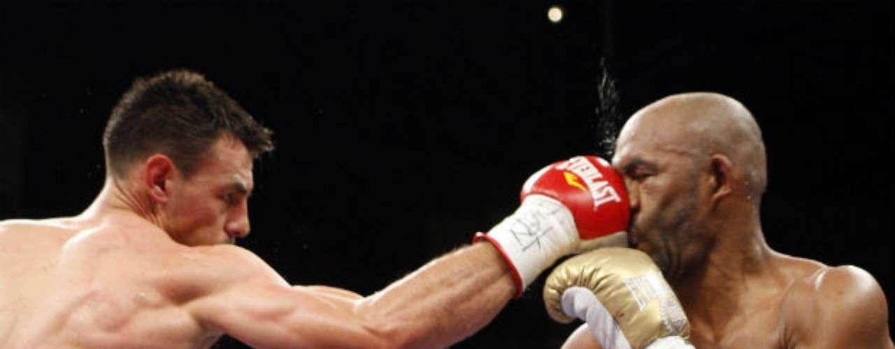 Al cubano Joel Casamayor también lo derrotó en el 2010 en una buena pelea ganada por decisión unánime.