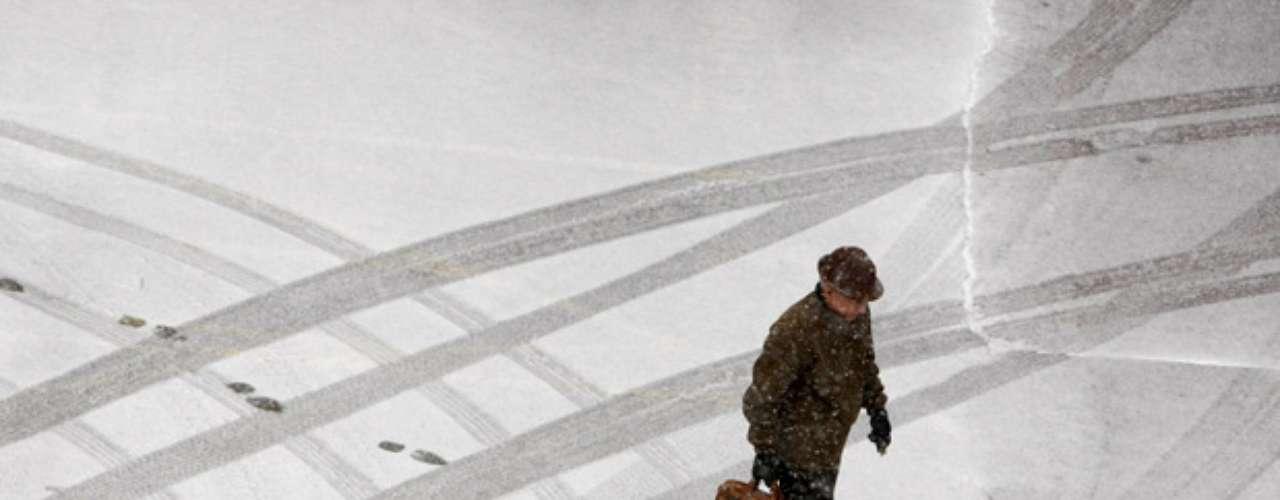 Por su parte Jayson Gosselin, experto del Servicio Nacional de Meteorología, dijo que partes de Colorado, Kansas y el norte de Missouri podrían tener acumulaciones de 25 a 30 centímetros (10 a 12 pulgadas) de nieve.