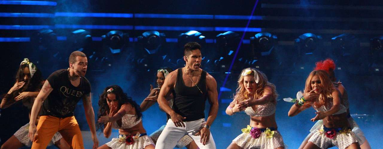 Intensas coreografías se presentaron en escena con el dueto de Chino y Nacho, mientras hicieron un recorrido por sus mayores éxitos musicales.