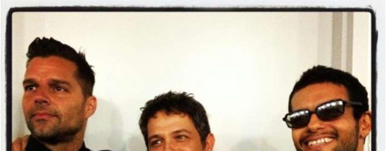 @AlejandroSanz: Con mis amigos @ricky_martin @dracorosa en los ensayos generales de Premios Lo Nuestro