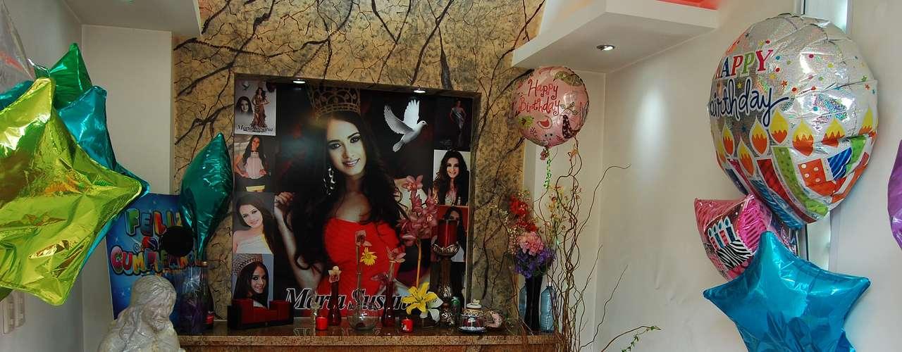 El 24 de noviembre de 2012, la reina de belleza recibió un balazo debajo del cuello y cayó en el suelo hasta desangrarse. \