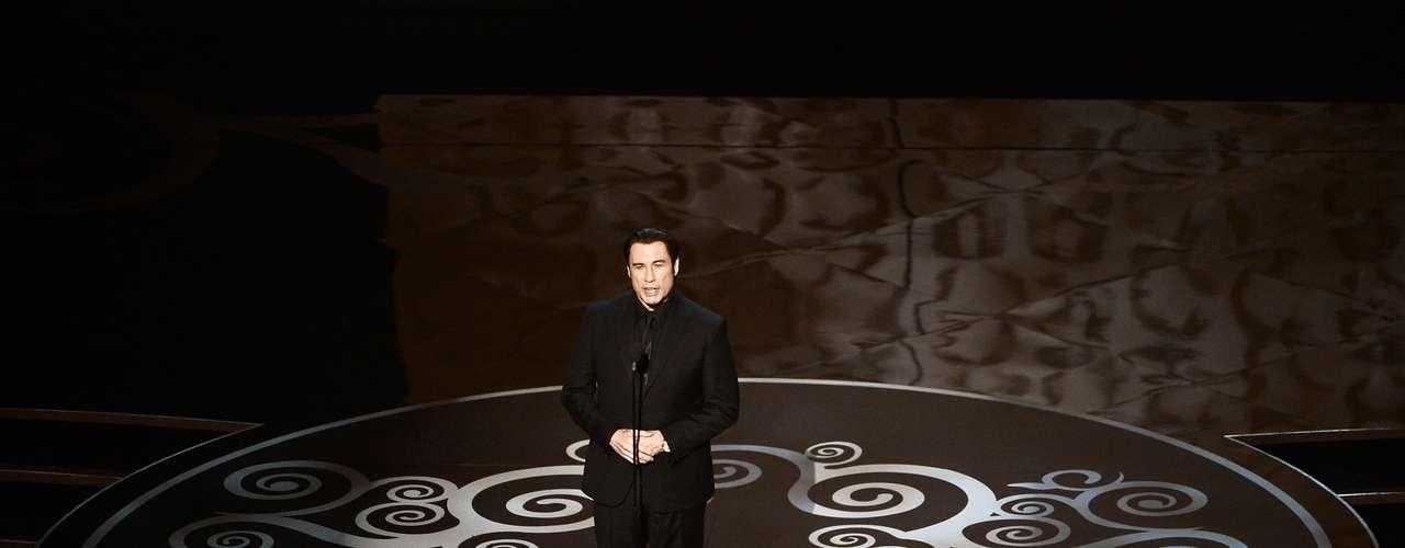 El actor John Travolta presentóel actotributo al género musical.
