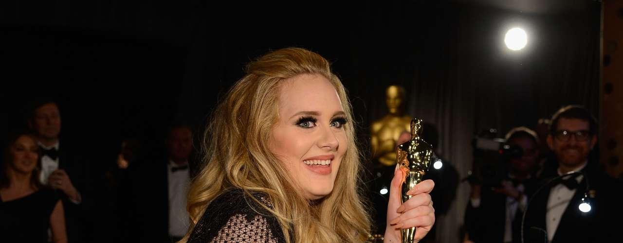 Es la primera vez que un tema de una cinta de James Bond logra la nominación al Oscar desde \