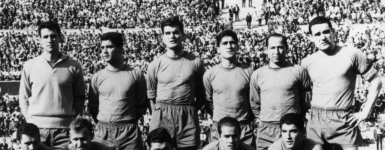 Amancio Maro (first from the left) played 14 years with Real Madrid, between 1962 and 1976, one of the biggest icons for the club with 9 La Liga titles and one European Cup. With Spain, he won the 1964 European Cup, the country's first international title.
