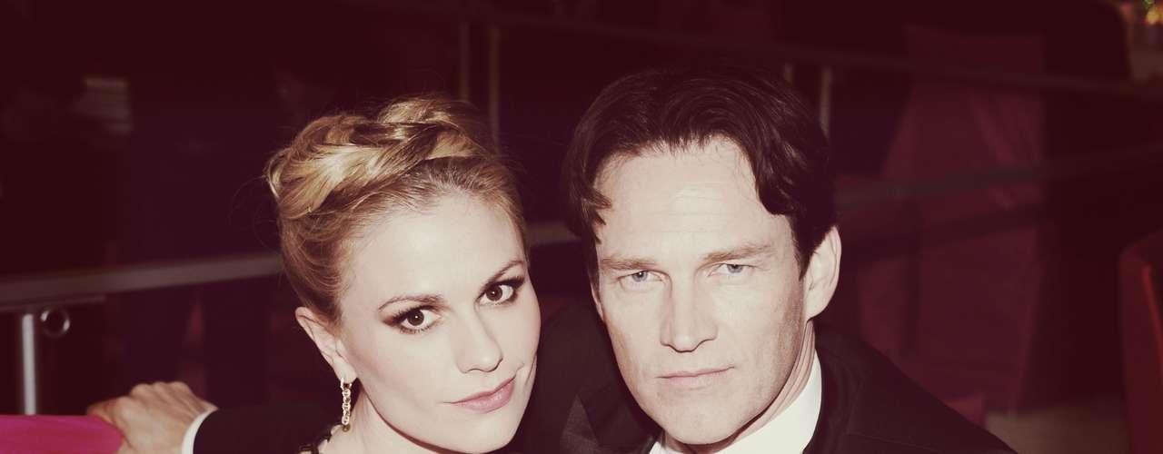 La actriz Anna Paquin y su esposo Stephen Moyer, protagonistas de 'True Blood' se vieron muy enamorados en la gala.