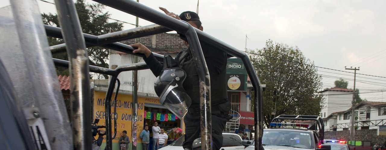 """""""El modus operandi del secuestro exprés se adjudica a la Ciudad de México, a fines de los noventas y principios del 2000,modalidad en la que en promedio retenían a una persona entre 6 y 14 horas, con un monto promedio de 6 mil pesos y casi siempre el atraco a través de los cajeros automáticos, ha disminuido ya que los delincuentes van por cantidades mayores que pueden obtener a través de un secuestro tradicional"""", comentó Alejandro Desfassiaux, presidente de Grupo Multisistemas de Seguridad Industrial."""