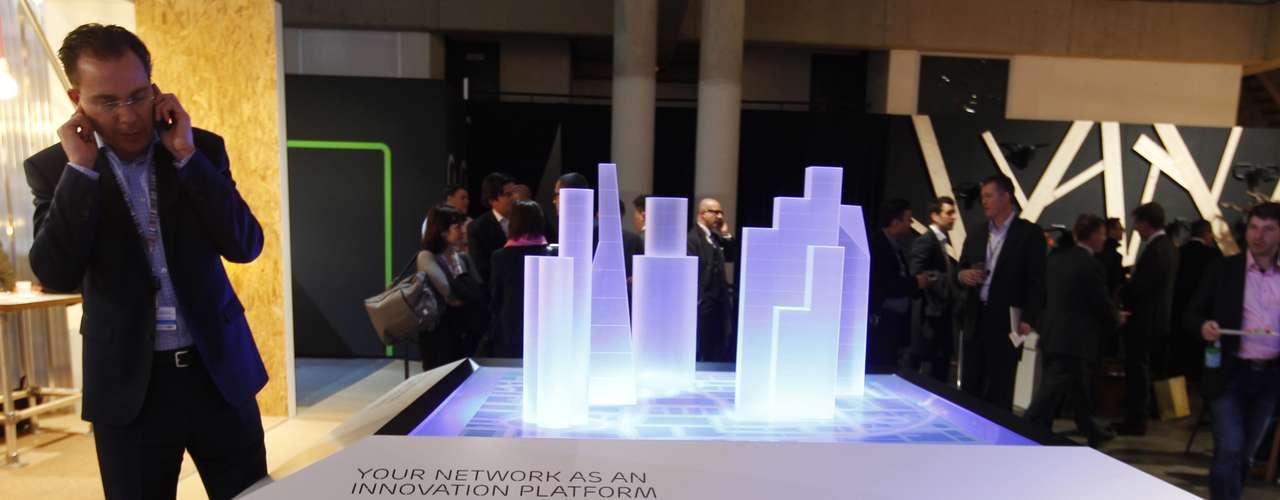 El evento suele ser el espacio donde se produce un mayor número de presentaciones de avances en comunicaciones inalámbricas y móviles.