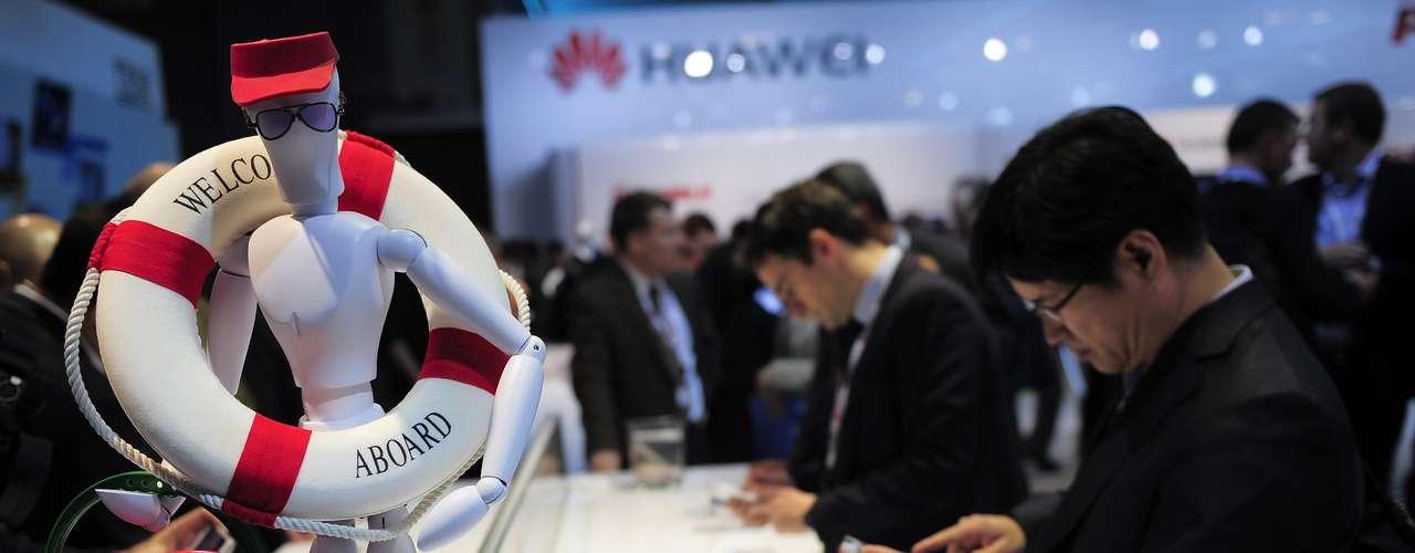 La marca china Huawei ha sido un éxito durante la feria, presentando novedades económicas en el mercado de telefonía móvil.