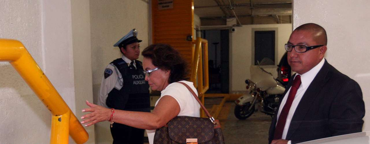 El 22 de junio de 2012 se dio a conocer que Elba Esther Gordillo tuvo ingresos por 380 mil 438.13 pesos durante el último año de la gestión de Enrique Peña Nieto en el Estado de México, según declaraciones de Juan Ignacio Zavala, ex vocero de la campaña de Josefina Vázquez Mota.