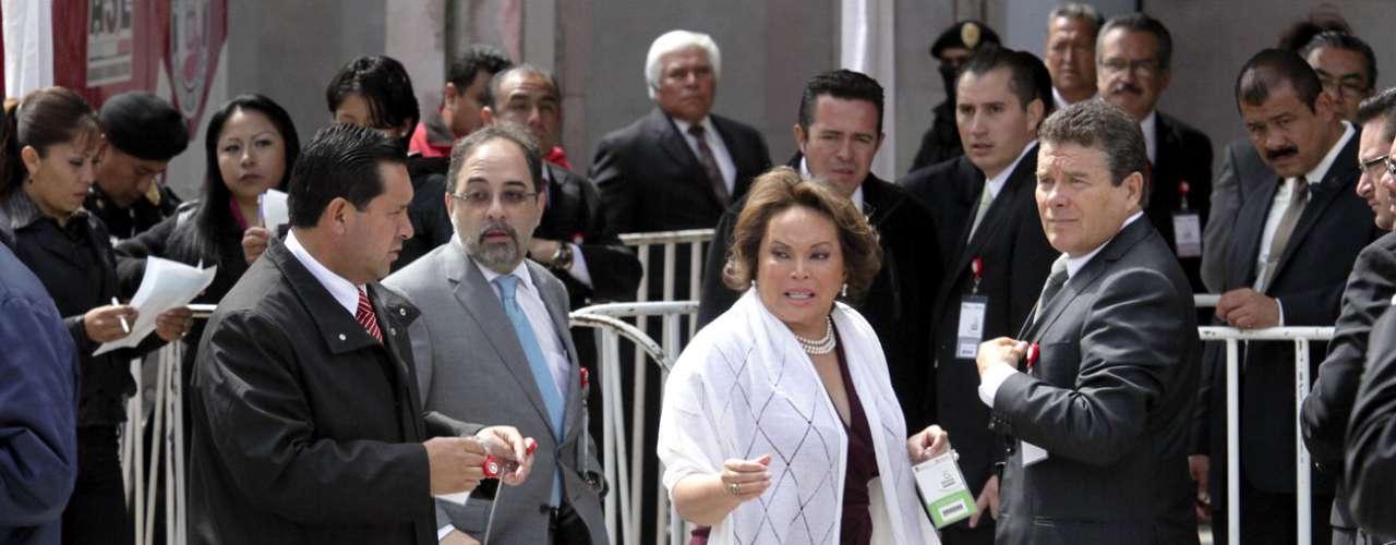 En mayo pasado del 2012, la revista Quién dio a conocer que la lideresa vitalicia del SNTE \