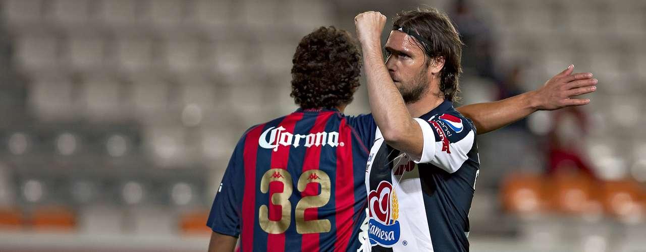 Fernando Cavenaghi marcó el segundo gol de los Tuzos ante Atlante.