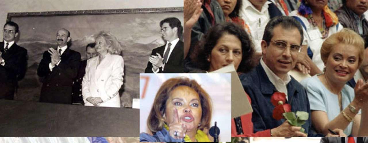 La lideresa del Sindicato Nacional de Trabajadores de la Educación, Elba Esther Gordillo, fue detenida por el desvío de 2 mil 600 millones de dólares de dos cuentas del sindicato. Este hecho, tal vez, sea el último de la maestra caracterizada por protagonizar escándalos a lo largo de su vida política. Desde su expulsión del PRI, pasando por las camionetas Hummer y hasta sus costosas excentricidades forman parte de la colección de escándalos que Terra te presenta.