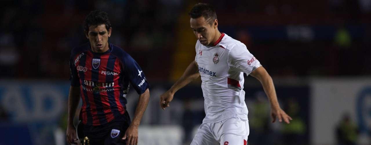 Lateral por izquierda - Carlos Gerardo Rodríguez - Toluca. El jugador de los Diablos fue impasable por la banda
