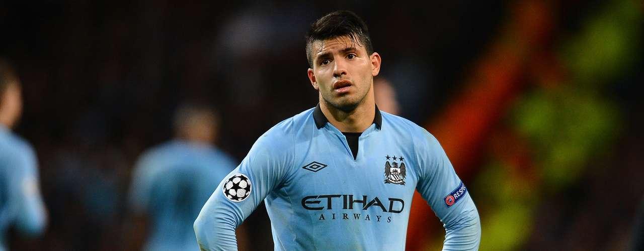 El goleador argentino del Manchester City, Sergio Agüero, es otra muestra de que el atractivo físico y el talento goleador no riñen para nada.