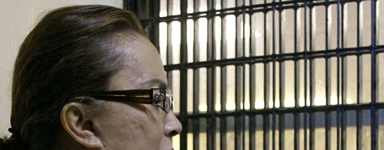 Con su reciente detención, Elba Esther Gordillo se unió a la lista de políticos mexicanos que tras sacarles sus trapitos al sol fueron a dar a la cárcel. Muchos de ellos completaron sus sentencias, otros las siguen cumpliendo otros tantos se salieron con la suya y no fueron condenados: