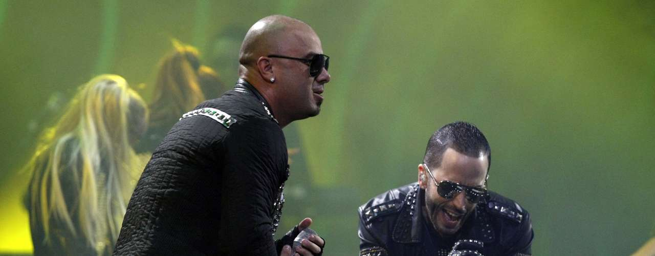 Puerto Rican duo Wisin & Yandel brought some urban flavor to the closing night of Viña del Mar festival. The superstar team ran down their greatest hits like, \
