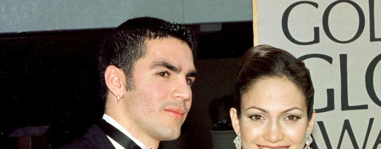 En los 90's, Jennifer López estuvo casada con Ojani Noa cuando hasta ahora estaba volviéndose famosa. En esa época abría grabado un video con su esposo, pero una vez se divorciaron, Ojani comenzó el chantaje.