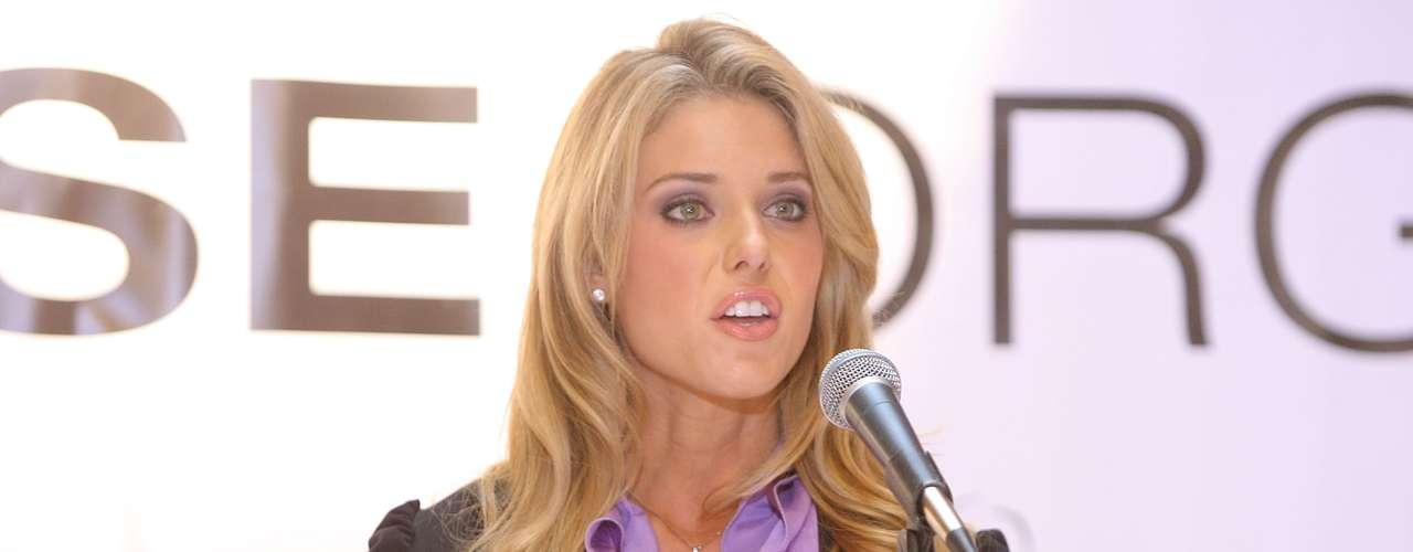 Carrie Prejean fue una Miss bien polémica. En 2008,fue destronada como Miss California USA, según el certamen \