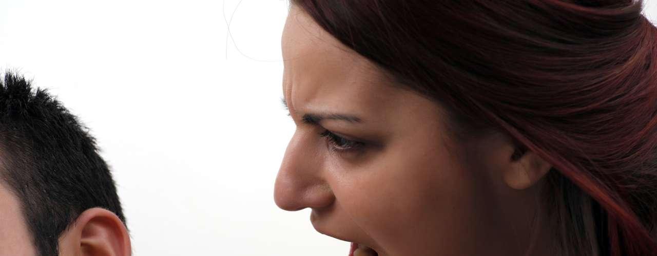 Talleres de comunicación. Resulta obvio que la comunicación es uno de los pilares de una relación, pero no siempre sabemos cómo hablar y escuchar a nuestra pareja. A veces resulta necesario aprender a dialogar y a expresar lo que sentimos sin caer en los reproches, la agresividad o el chantaje.