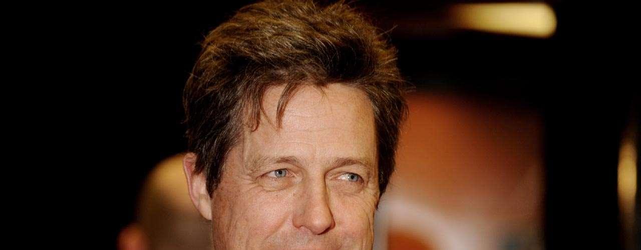 Hugh Grant: el actor británico pasó uno de los más grandes escándalos de Hollywood cuando fue hallado por la policía en su auto con una prostituta travesti. Grant estaba casado con la actriz Elizabeth Hurley. Tras admitir su culpa y pedir perdón públicamente, él pudo mantener su reputación casi intacta pero su matrimonio se resquebrajó.