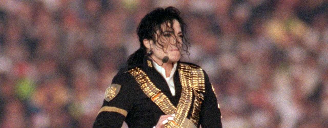 Michael Jackson pudo haber ganado un éxito más en su trayectoria musical de haber aceptado grabar la canción 'Rock Your Body', que luego de ser rechazada por el Rey del Pop, Justin Timberlake aprovechó para sacarle provecho.