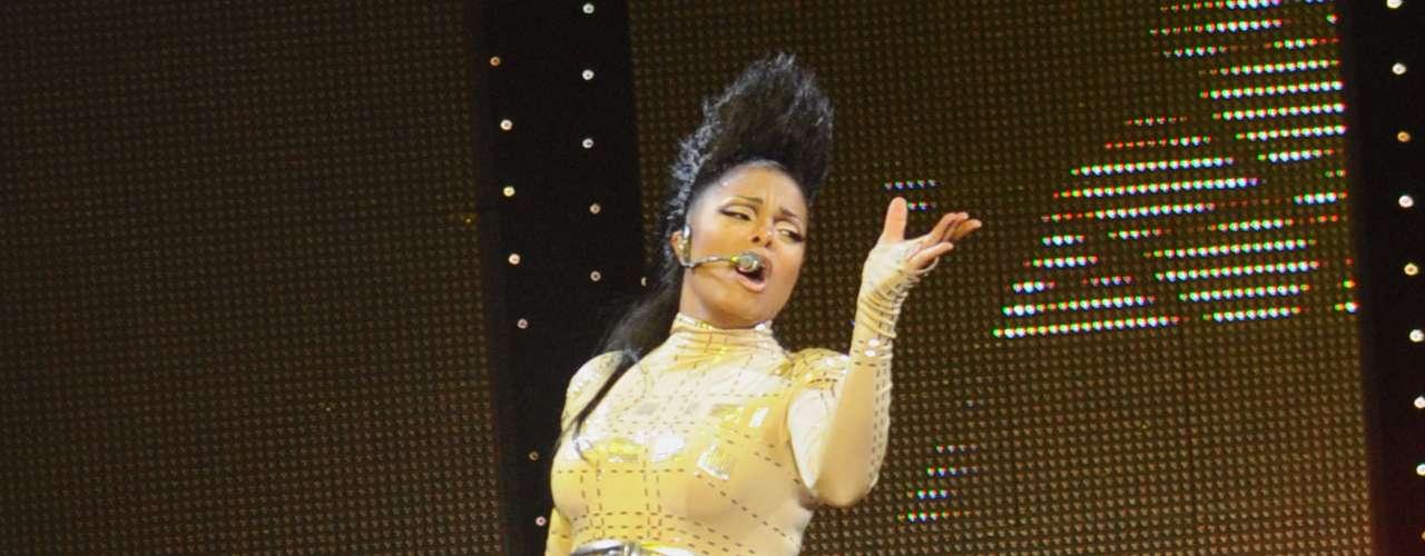 Janet Jackson pensó que hacía lo correcto cuando dijo que no cuando le ofrecieron grabar la canción 'Im a Slave 4 You', éxito que se incluye en el álbum 'Britney', de la Princesa del Pop.