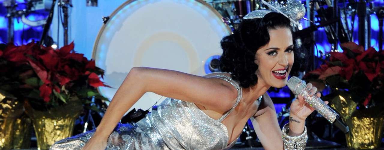 Katy Perry no imaginó que 'Hold It Against Me', canción interpretada por Britney Spears, sería otro de los éxitos del pop. Aunque la cantante despreció el tema, no puede quejarse, pues otras de sus canciones son grandes hits.