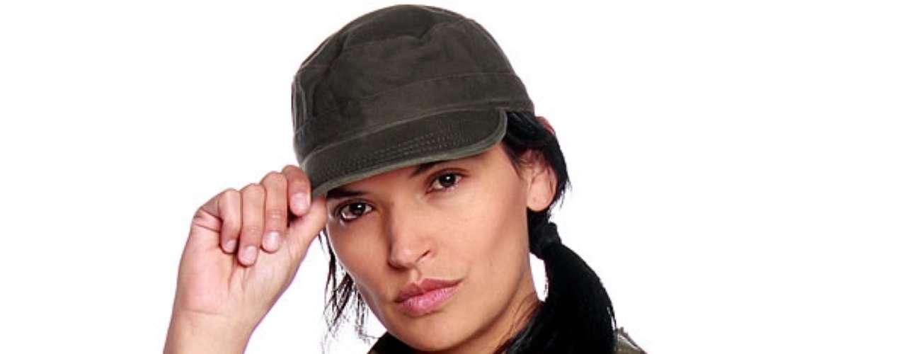 Margarita Reyes es Támara: Es una guerrillera que se convierte en el primer amor en la vida de Carlos Castaño.