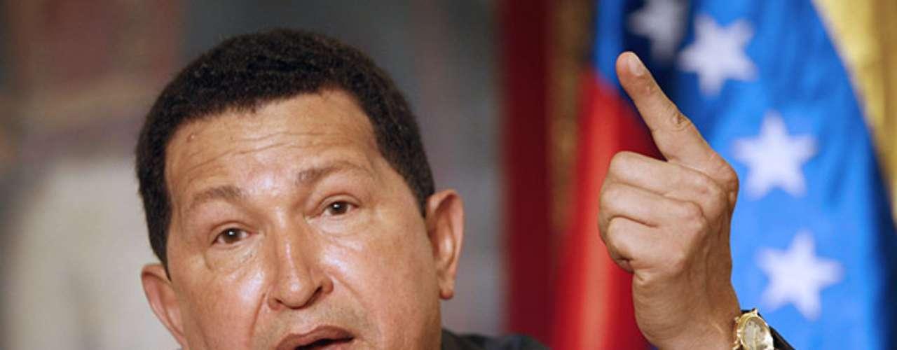 Este jueves, el presidente temporal de Venezuela, Nicolás Maduro, anunció que el cuerpo del comandante Hugo Chávez será embalsamado y reposaráen el museo de la revolución bolivariana. De esta manera, Chávez se convierte en el décimo segundo mandatario en recibir este proceso para ser exhibido tras su muerte. Conoce a los otros 11.