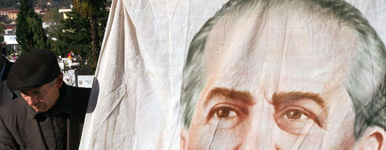 El albanés Enver Hoxha fue preservadoen 1985.