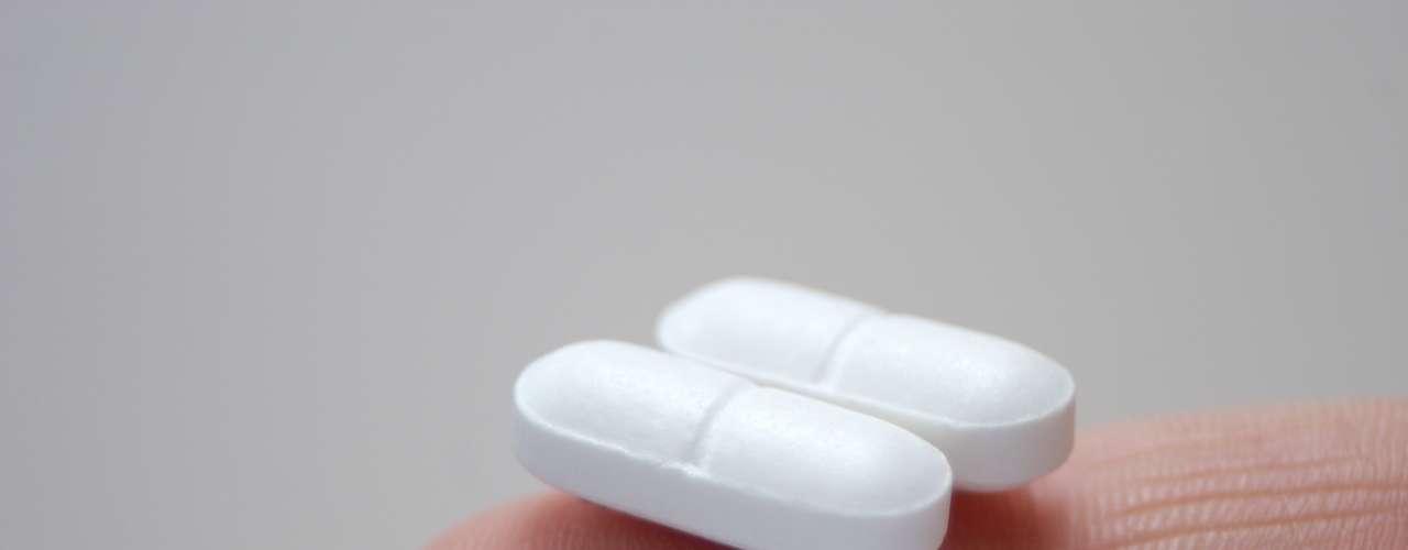 Las endorfinas que se liberan durante la pasión equivalen a dos aspirinas contra el dolor de cabeza convirtiéndose así en un potente relajante y analgésico.