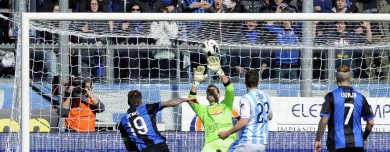 Ya en acciones dominicales, Atalanta batió 2-1 en Bérgamo al Pescara.