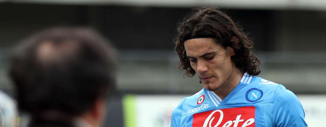Serie A: 1. El líder de la tabla de artilleros de Italia es el delantero uruguayo del Napoli, Edinson Cavani, quien lleva 18 goles esta temporada. Este fin de semana no anotó.