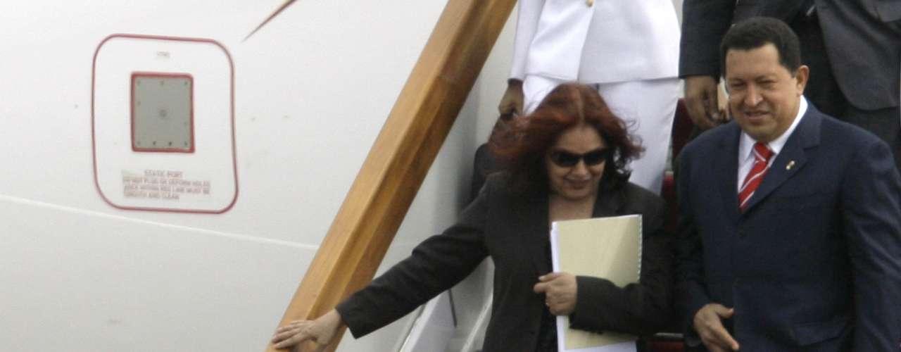 La reportera Mariana Tensiode Univisión Investiga enumeró además los aviones privados del gobierno Hugo Chávez. Un vendedor de aviones venezolano que habló con el medio en anonimato los describió uno por uno.