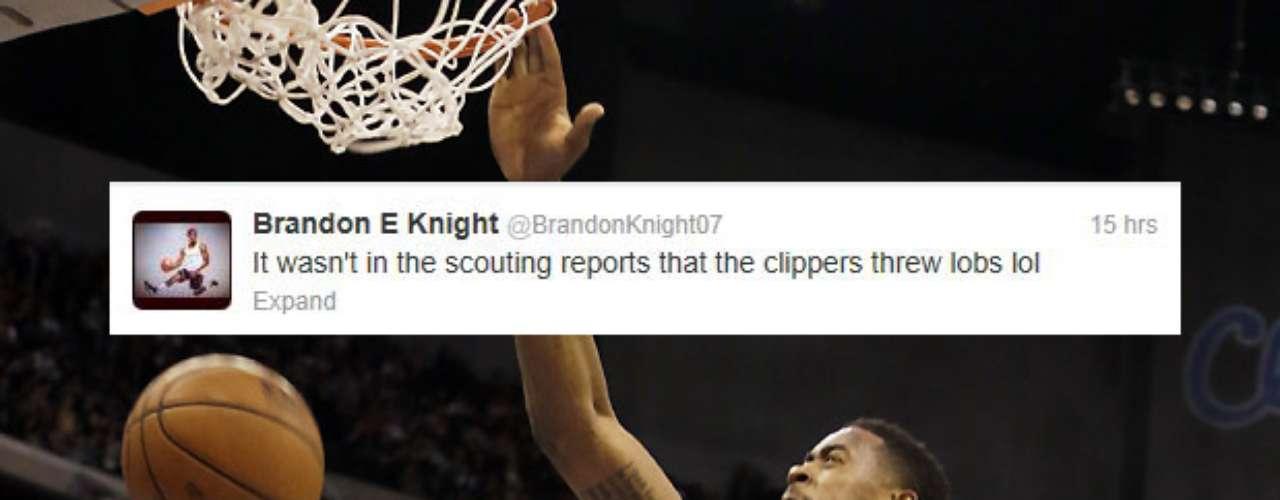 La historia de la noche en la NBA fue la volcada viciosa de DeAndre Jordan sobre Brandon Knight de los Pistons. Knight tuvo un buen sentido del humor en este tweet.