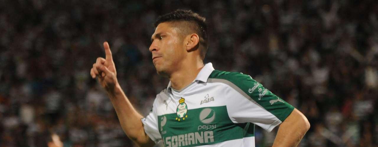 3. El tercer lugar es para el delantero mexicano de Santos Laguna, Oribe Peralta, quien tiene 6 goles esta temporada. Este fin de semana anotó el segundo gol en la victoria 2-1 de su equipo sobre Atlante.