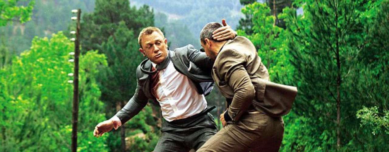 Daniel Craig y Ola Rapace están nominados como 'Mejor Pelea' por su enfrentamiento sobre un tren en 'Skyfall'.