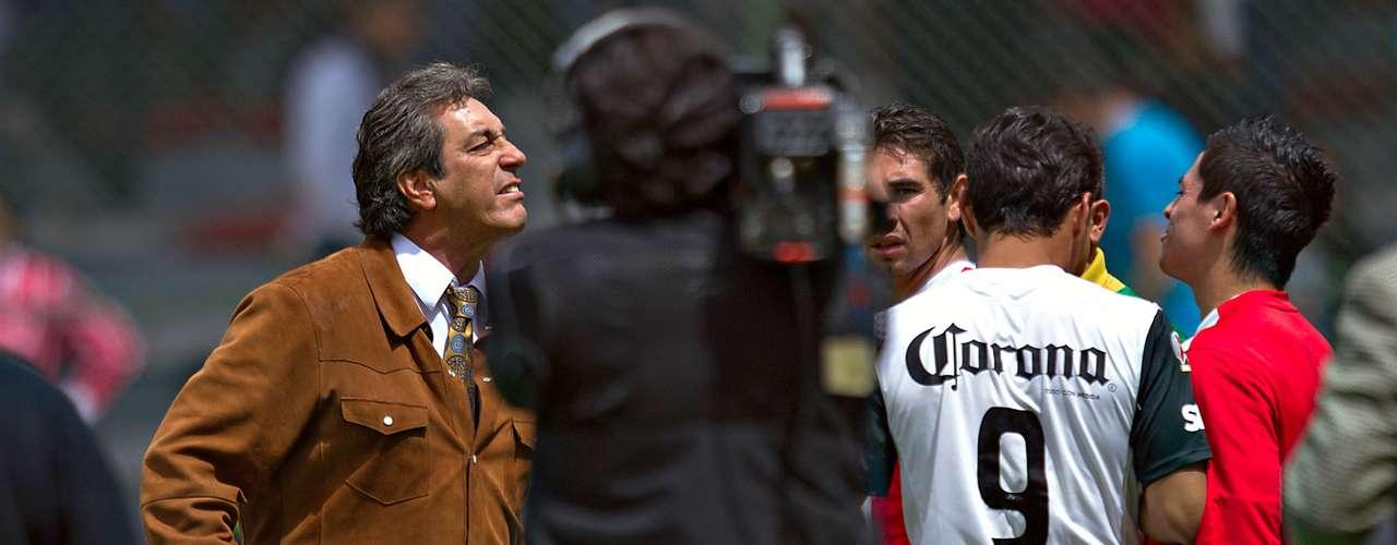 El villano:Después de la provocación, Pinto le mentó la madre a Boy, quie regresó a encarar al jugador.