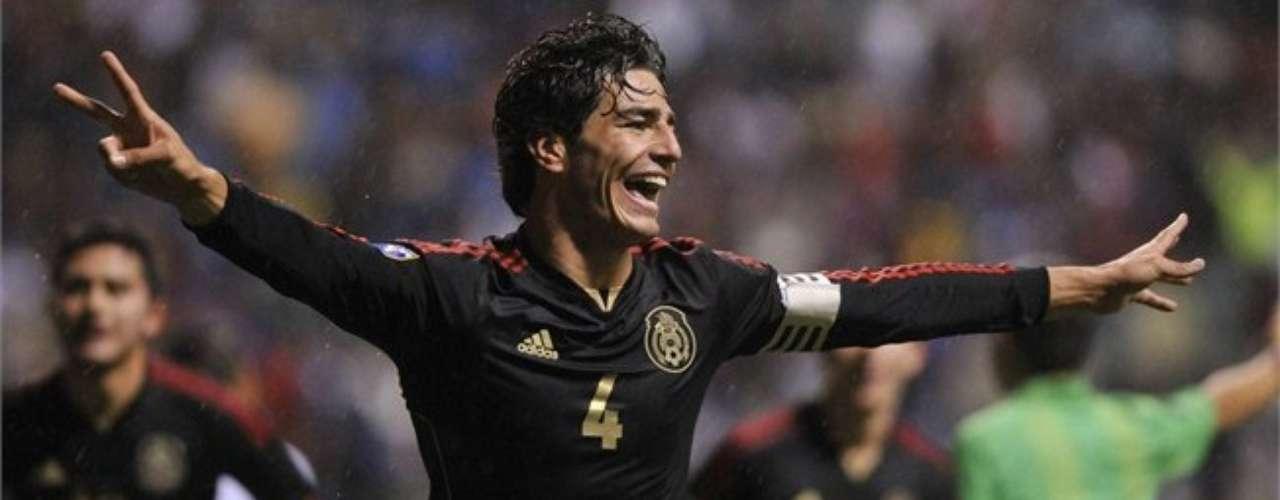 Hace unas semanas recibió el premio al Jugador Más Valioso del Premundial de la Concacaf Sub 20, donde México salió campeón.