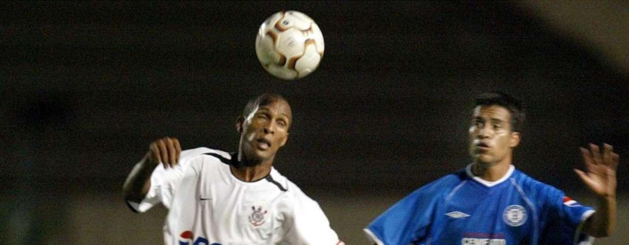 2003 - Corinthians 1-0 Cruz Azul - Fase de Grupos