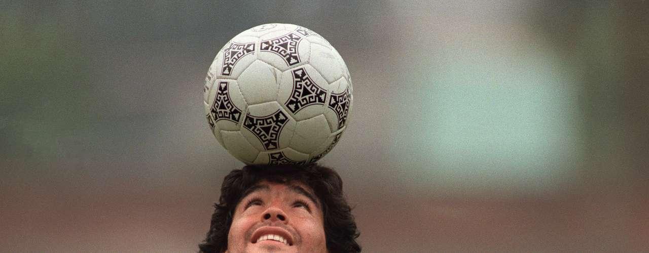 Maradona solía deleitar a todos en los entrenamientos cuando mostraba sus habilidades con una pelota.