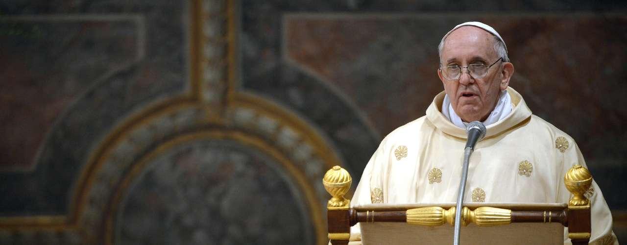 En cuanto al aborto, en 2009 Bergoglio exhortó a los cristianos a \
