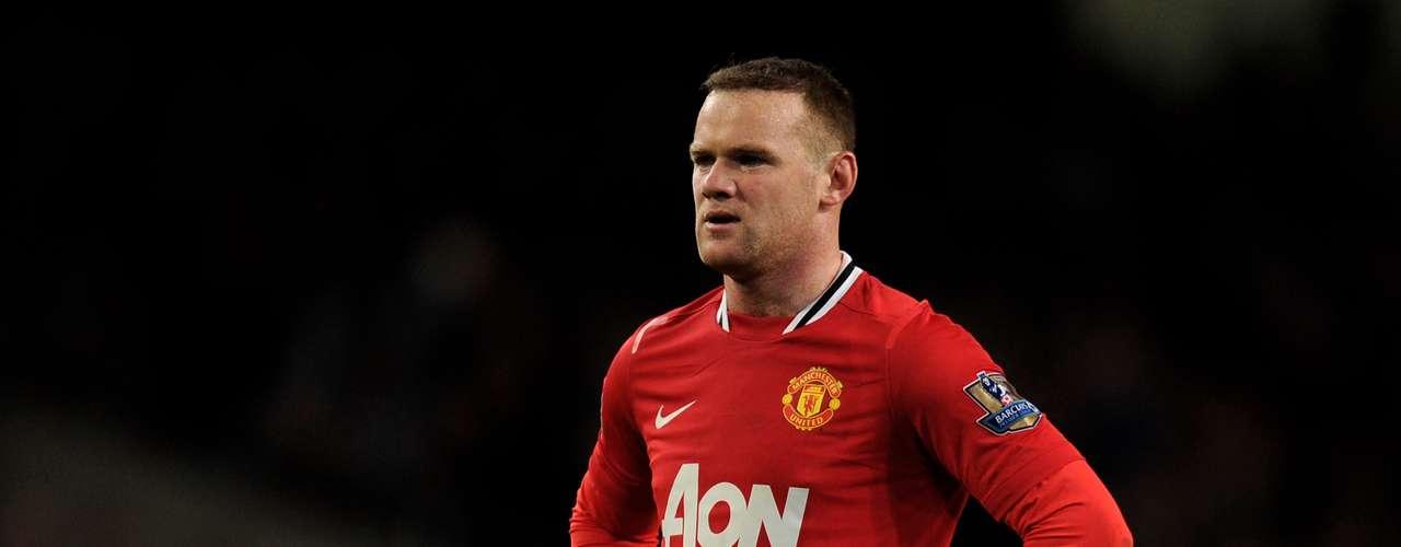 Wayne Rooney (Delantero-Reino Unido): El astro del Manchester United es uno de los futbolistas que más que hablar por sus comentarios a través de Twitter. Sobre el pisotón de Pepe a Messi indicó que era un \