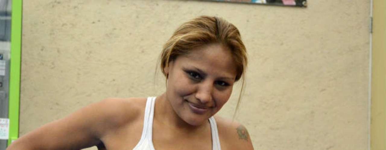 Juárez también se da tiempo para relajarse un poco y sonreir a la cámara.