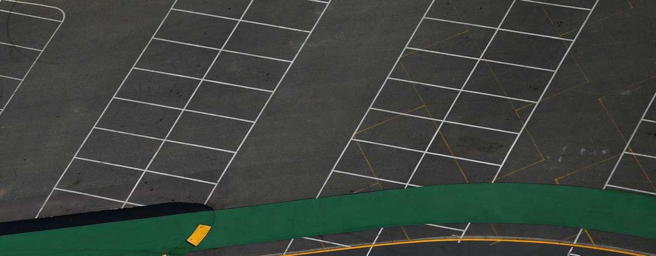 La vista área muestra el paso del australiano Daniel Ricciardo y su Toro Rosso.